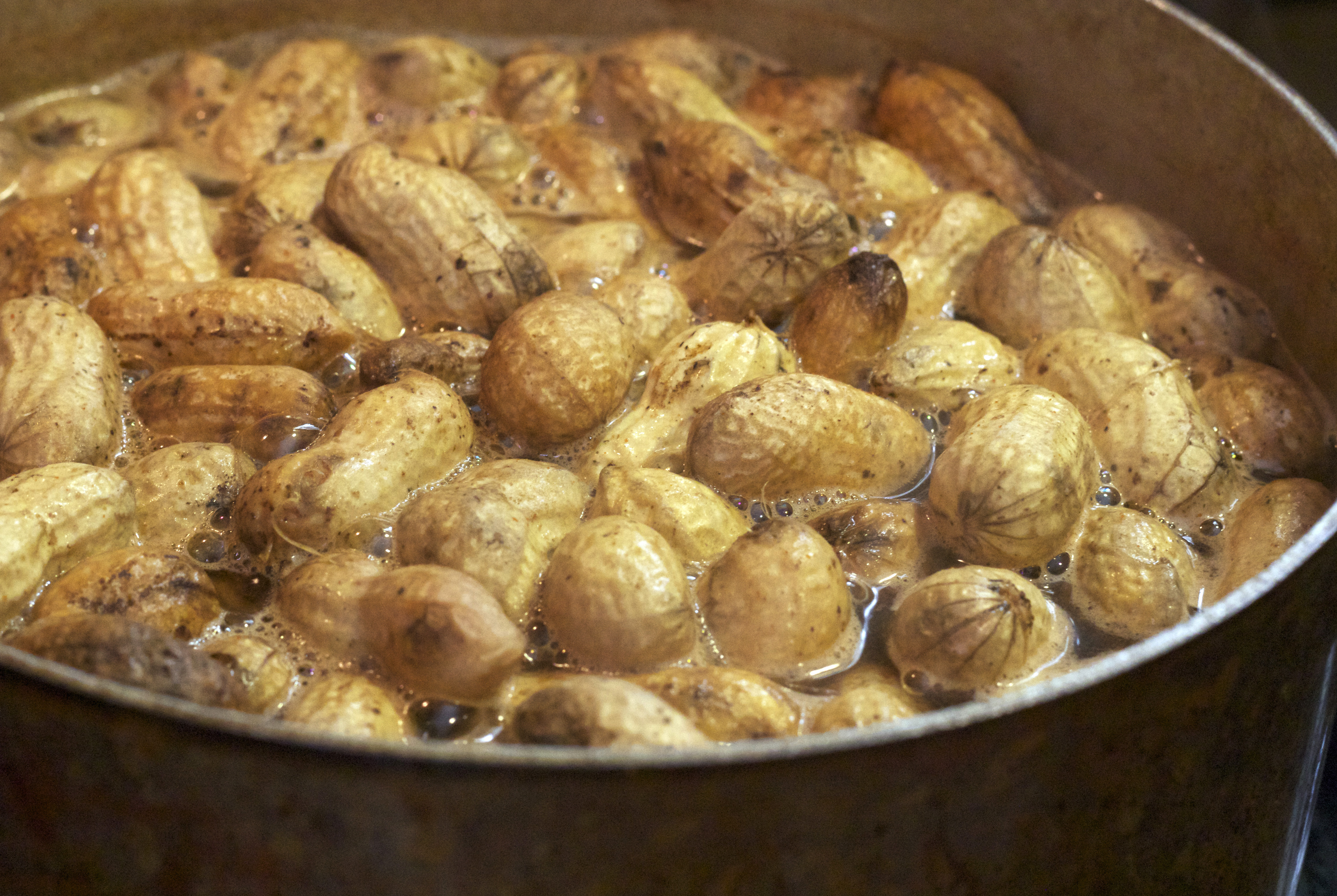 Boiled Peanuts and Country Music | Ladysmokey.com